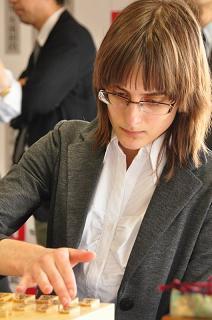 女流棋士カロリーナ